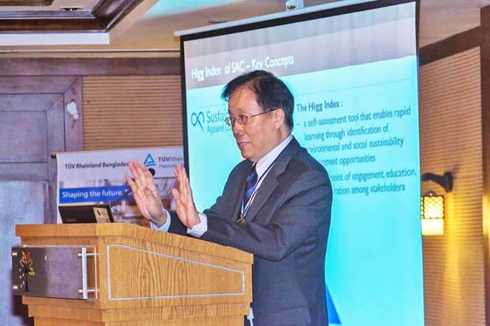 Figure 2: SDC President, Dr. Prof K W Philip Yeung delivered his speech.